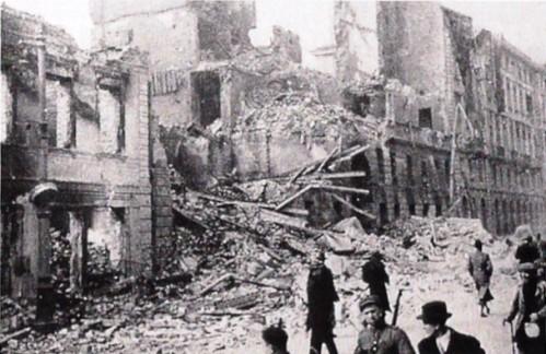 1939-Varsavia-bombardata